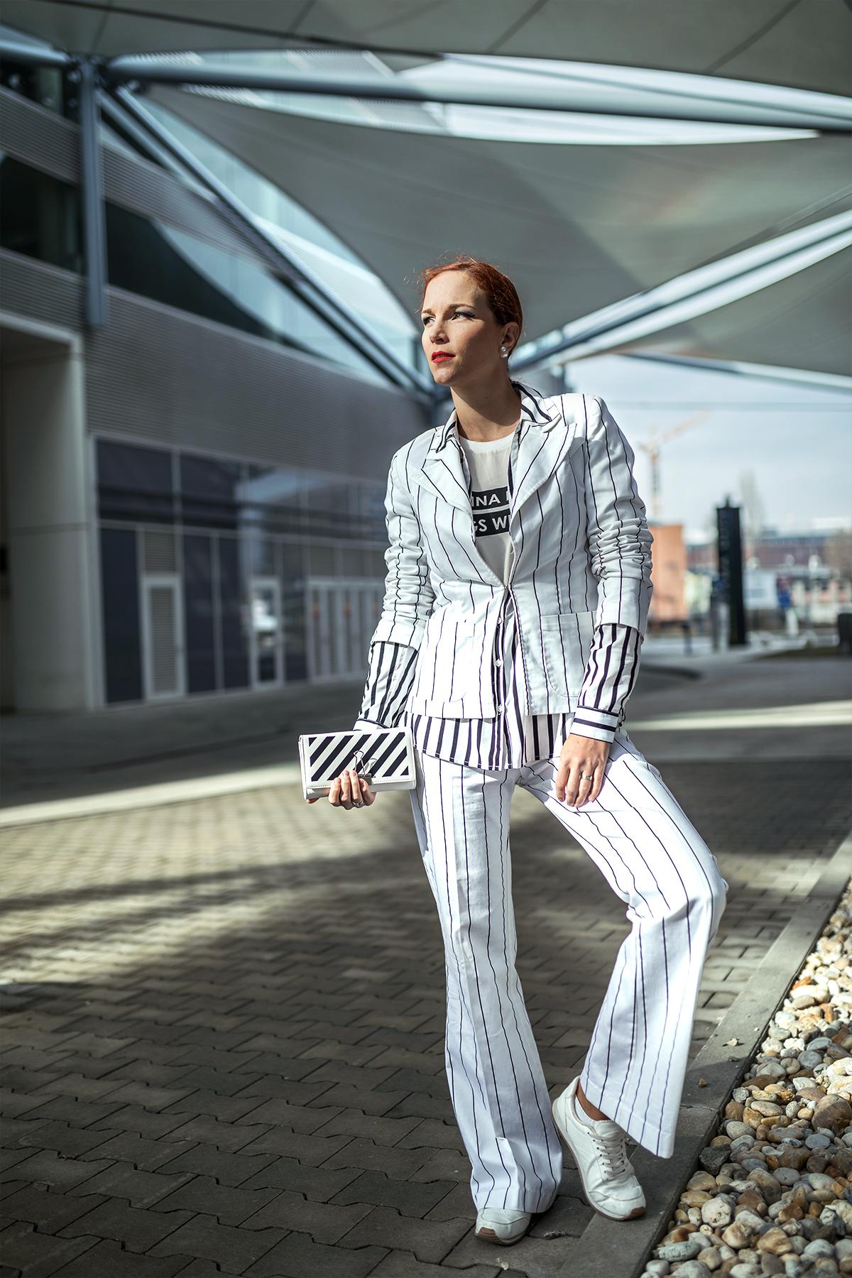 af210e377c8e ... prinášam vám podrobne rozpracovaný jeden z jarných trendov  dámsky  nohavicový kostým. Možností